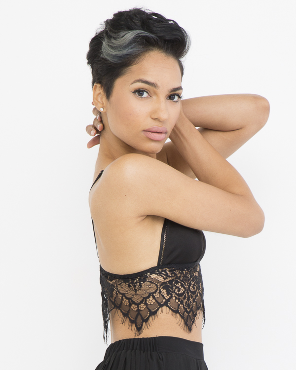 LE JOLIE LACE BRALETTE CROP TOP - BLACK