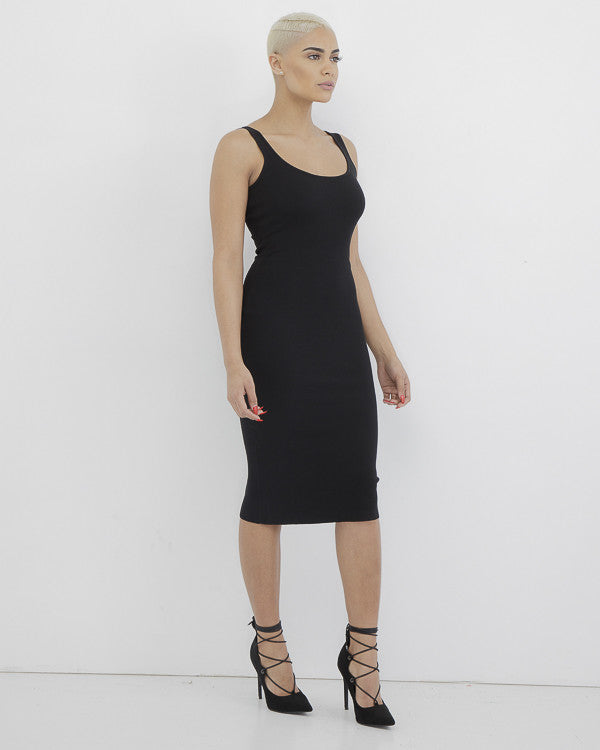 NOT YOUR AVERAGE Knit Bodycon Dress in Black at FLYJANE | Knit Bodycon Pink Dress | Classic High Quality Knit Midi Dress for Curvy Girls with Pearls | @FlyJane