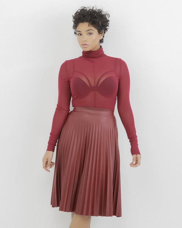 PIPPA FAUX LEATHER PLEATED SKIRT - WINE