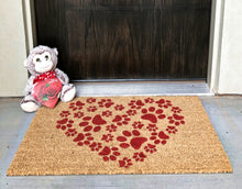 How to show off your doormat with a monkey