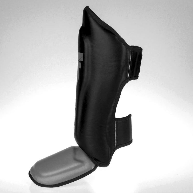 Fighter Thai Classic  Shinguards - black/grey