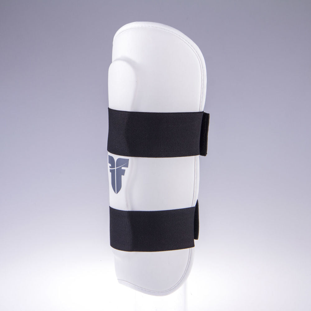 Shin Guard Fighter Ergo - white