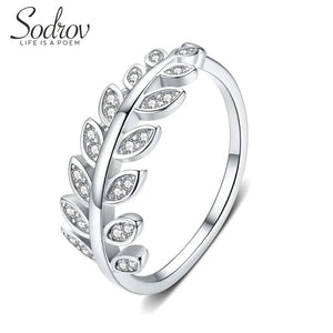 Anillo Ajustable de Plata 925 Sterling y Zirconias AAA, Diamond Leaf.