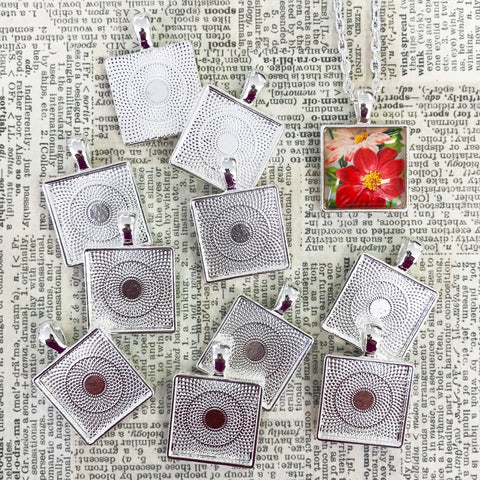 SMALL SQUARE PENDANT TRAY silver
