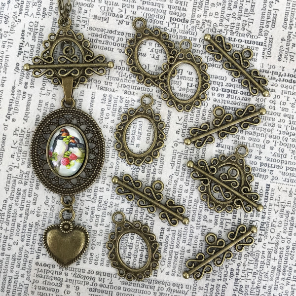 FANCY TOGGLE antique brass