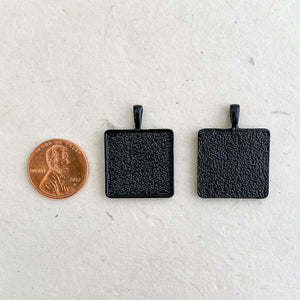 SMALL SQUARE NoirLINE PENDANT