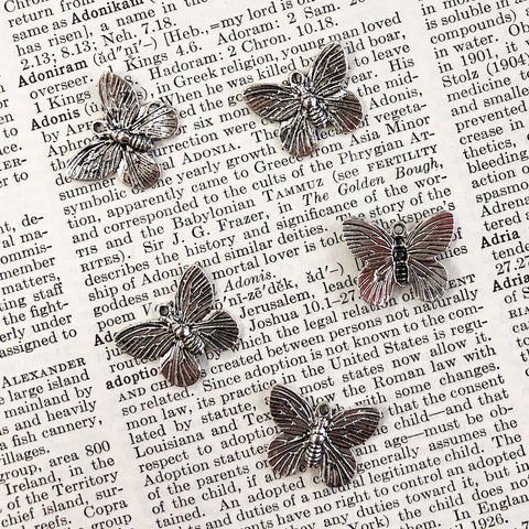 CLASSIC BUTTERFLY CHARM antique silver