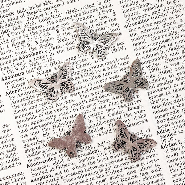 CUT-OUT BUTTERFLY CHARM antique silver