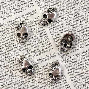 FLOWER SKULL CHARM antique silver