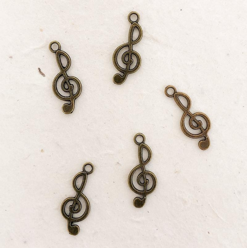 TREBLE CLEF CHARM antique brass