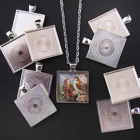 MEDIUM SQUARE PENDANT TRAY silver