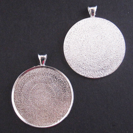 EXTRA LARGE ROUND PENDANT TRAY silver