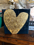 dizzy daisy gold heart on navy