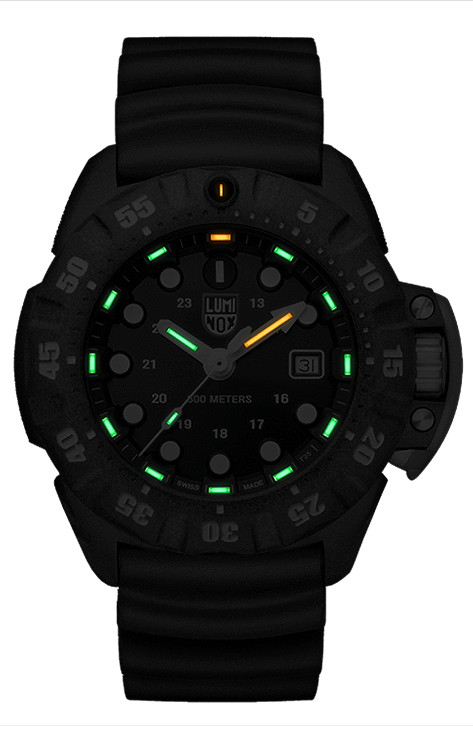 Lumi Nox Scott Cassell Deep Dive XS.1555 Watch