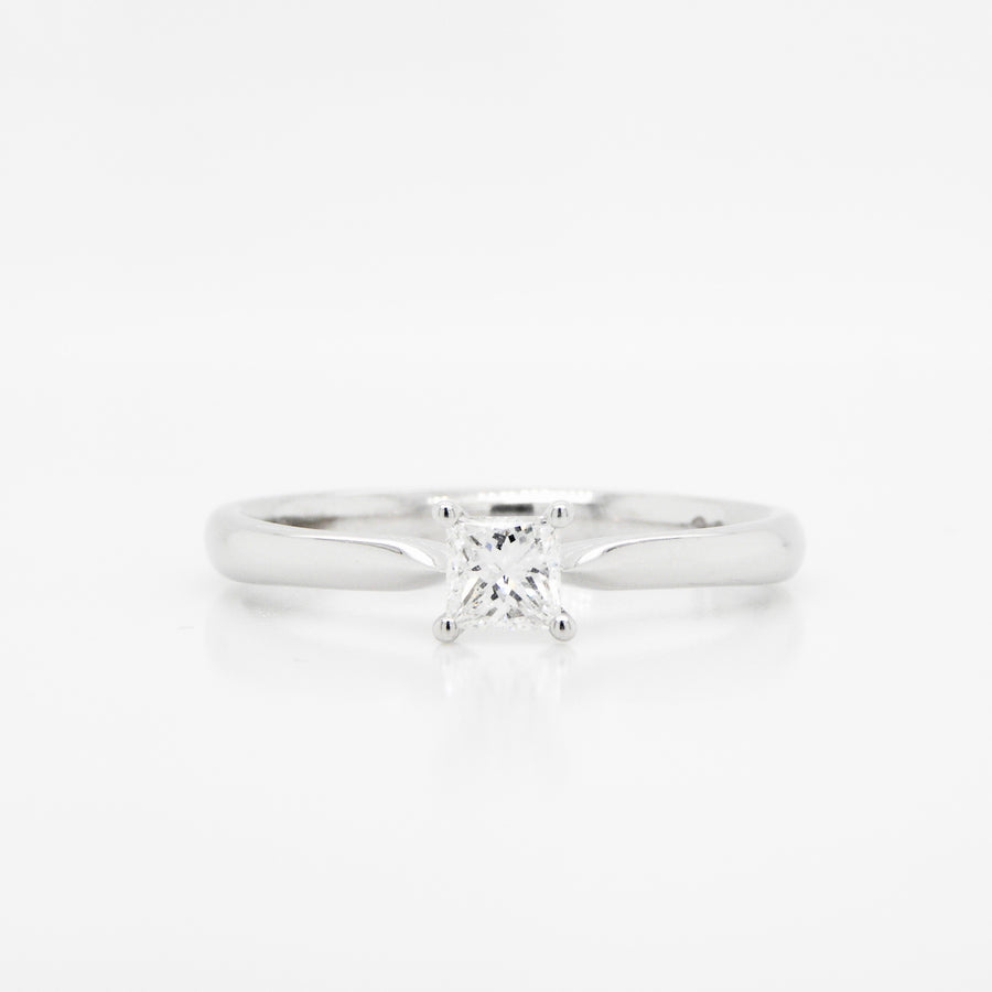 18ct White Gold Princess Cut Diamond Ring .26ct