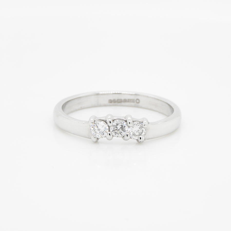 18ct White Gold 3 Stone Diamond Curve Band
