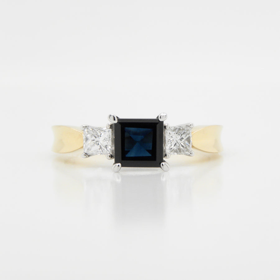 18ct Yellow Gold 3 Stone Sapphire & Diamond Ring .76ct