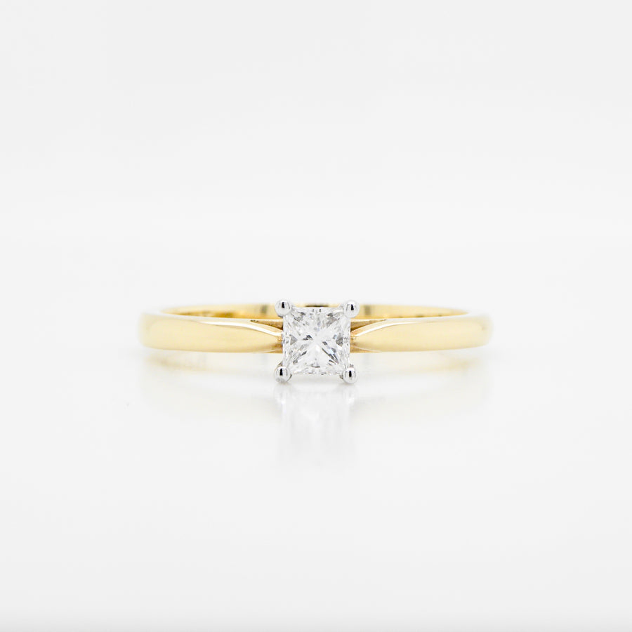 18ct Yellow Gold Princess Cut Single Stone Diamond Ring .27ct