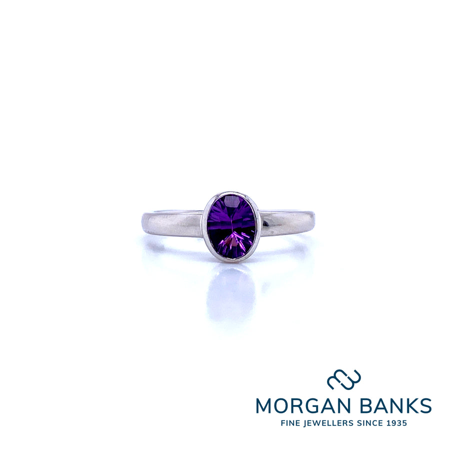 Bates 18ct White Gold Amethyst ring 306-255f