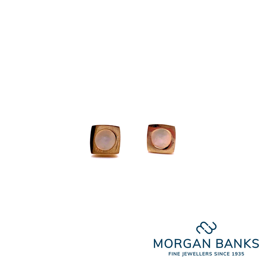 9ct Yellow Gold Square Studs with Round Mother of Pearl Center E550MO
