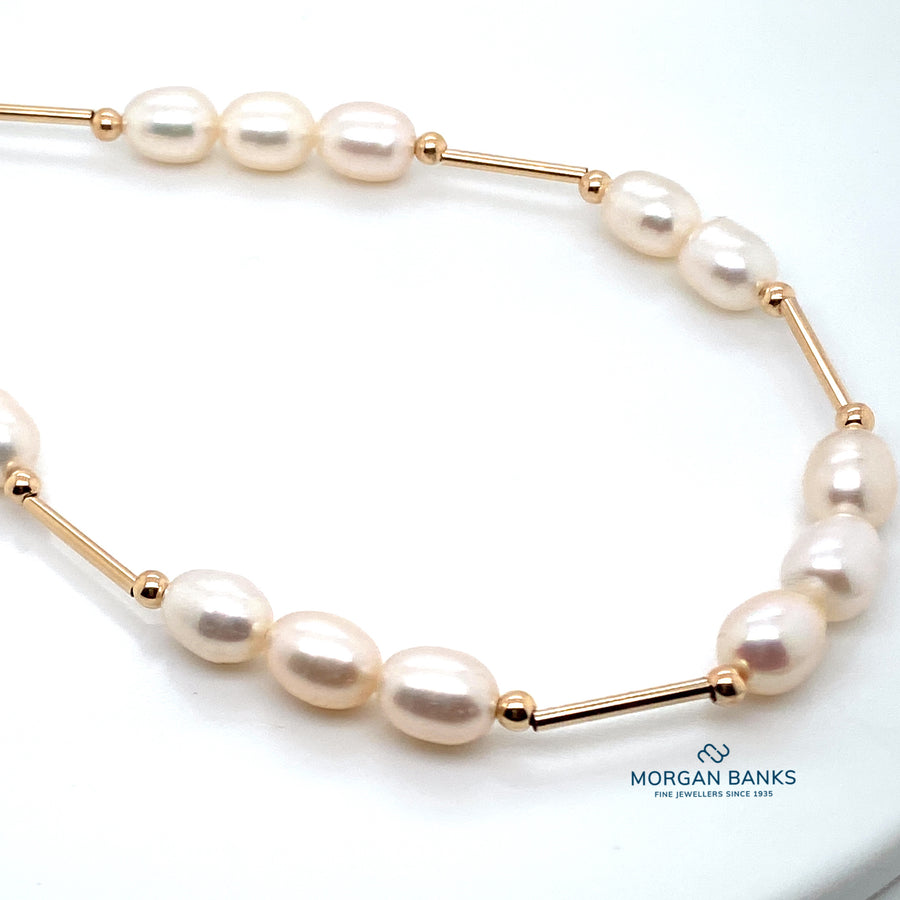 9ct  Gold & 3 Pearl Necklace N391