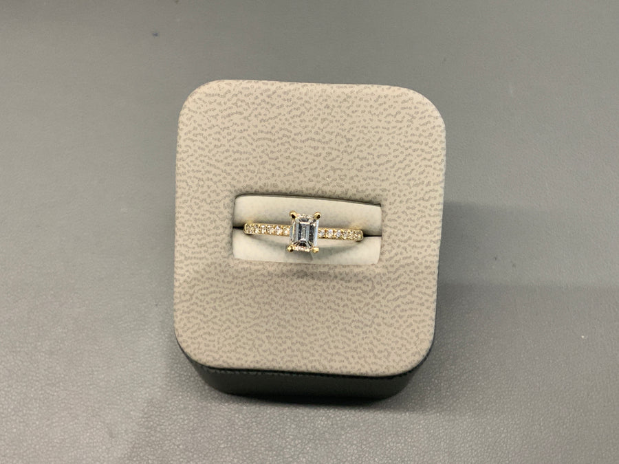 18ct Yellow Gold Emerald Cut Diamond Ring .75ct