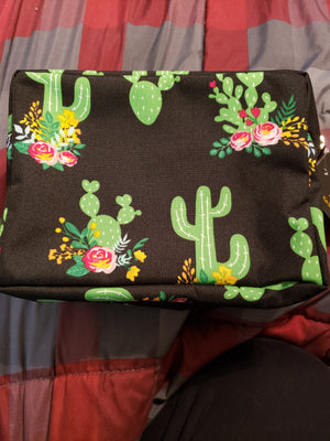 Open image in slideshow, Large N Gil makeup bag