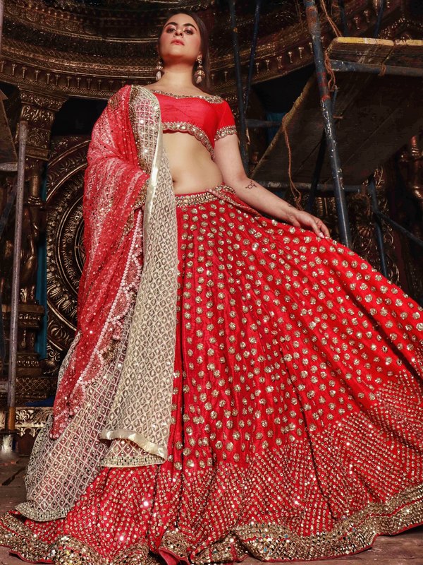 Shereen Sikkha Bharwani In Red Embellished Lehenga Set