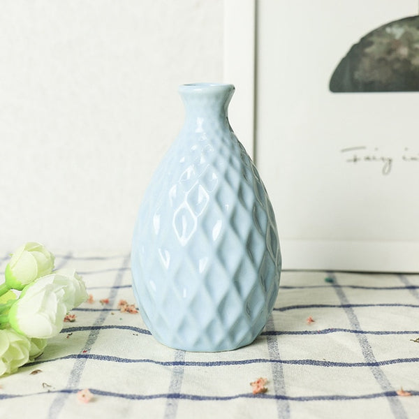 Handmade Porcelain Delicate Ceramic Vase Pineapple Looking Flower For Home Decoration