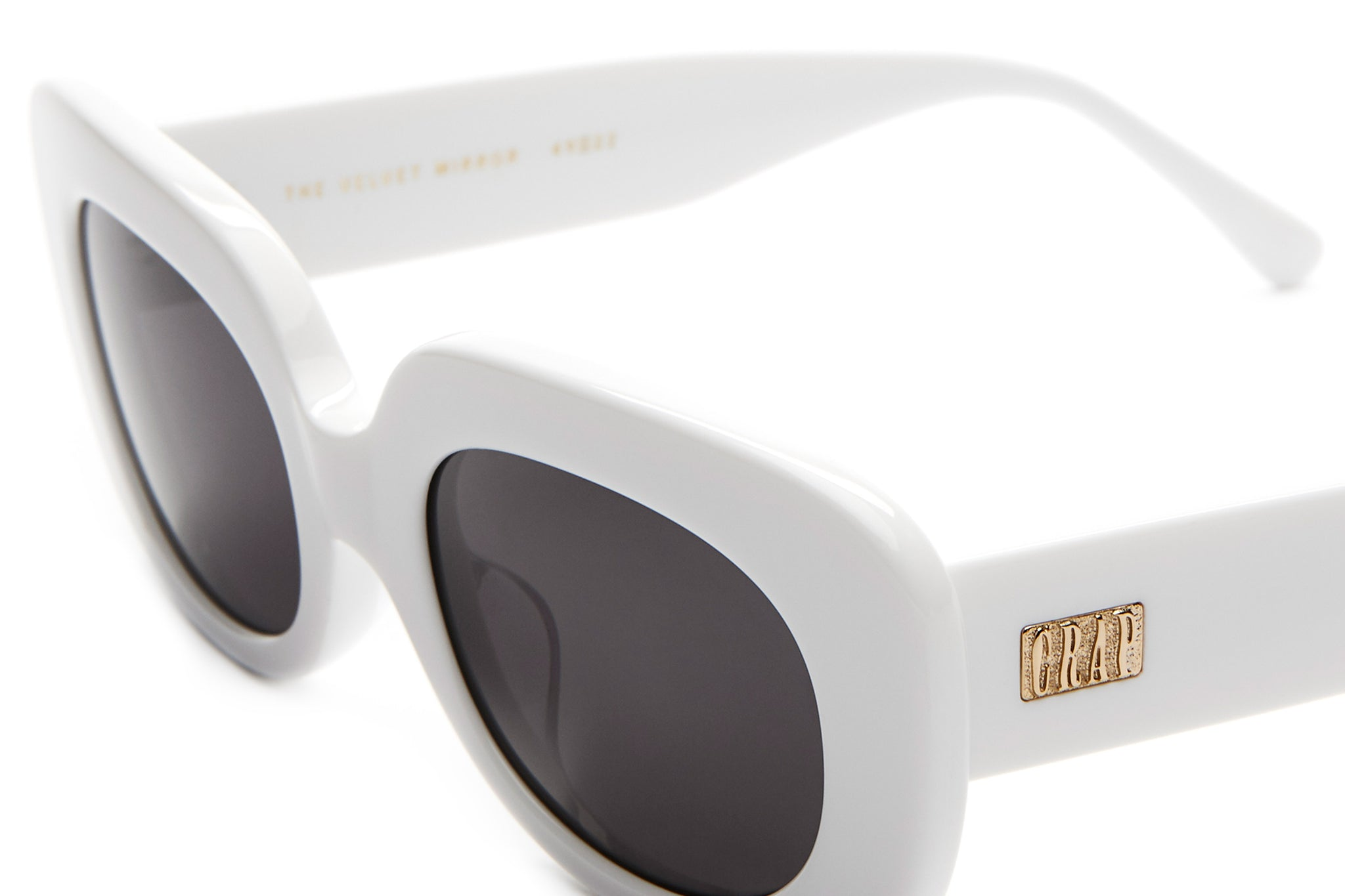The Velvet Mirror - White - / Grey - Sunglasses