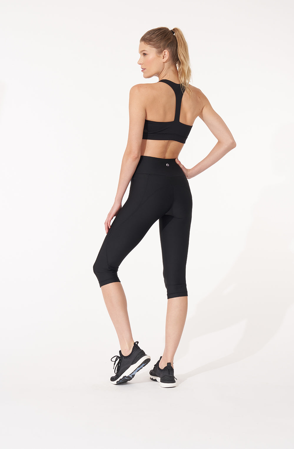 Basic Performance Capris