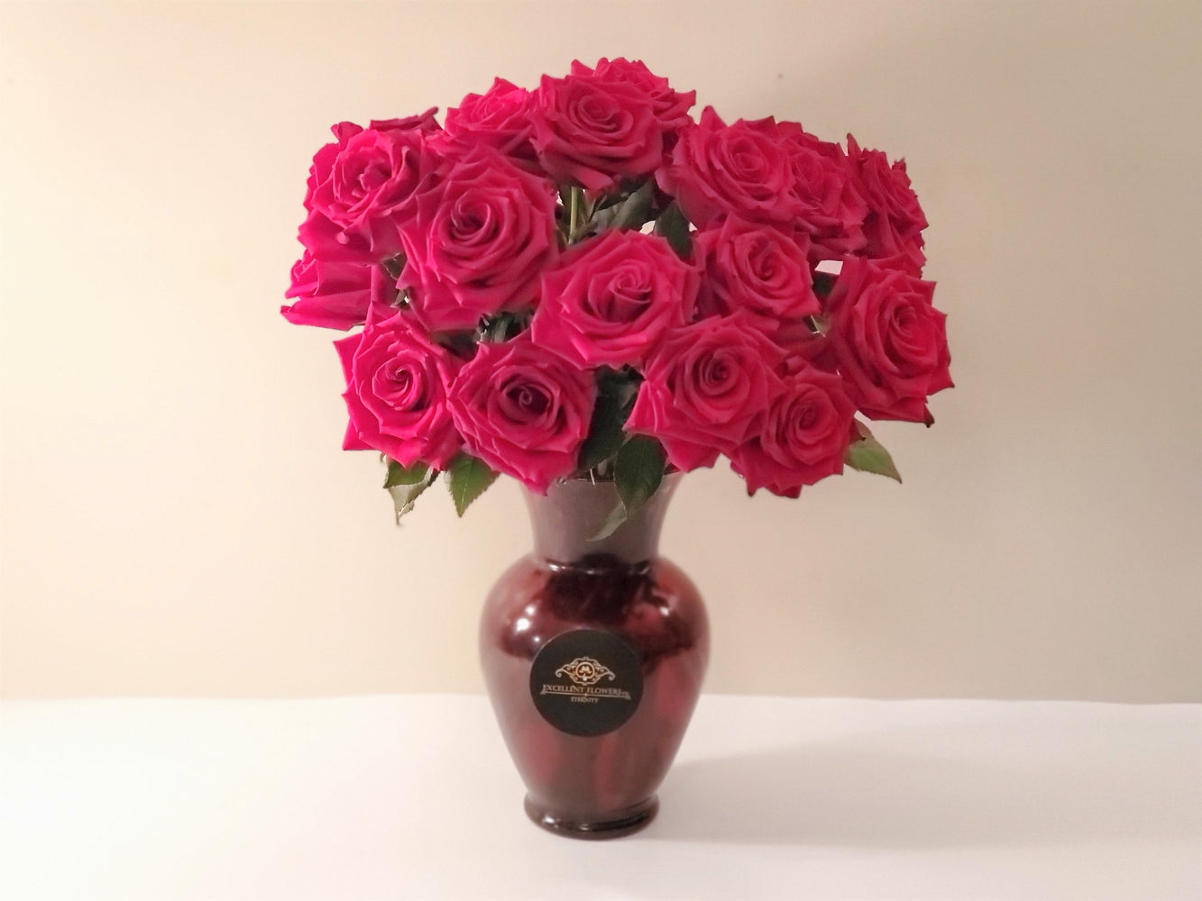 Rose Love  Arrangement with Vase I FREE SHIPPING