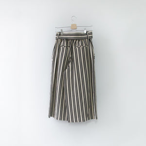 PRIPELA TUCK WIDE PANTS