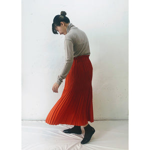 SILKY PLEATS SKIRT