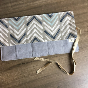 Chevron Circular Needle Roll