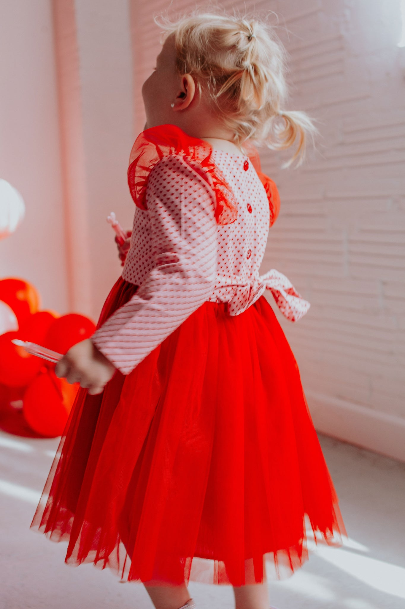 Photoshoot dress size 2-3 years Girls Pink Heart dress for Valentines Day or Birthday Short sleeves Tulle twirling skirt