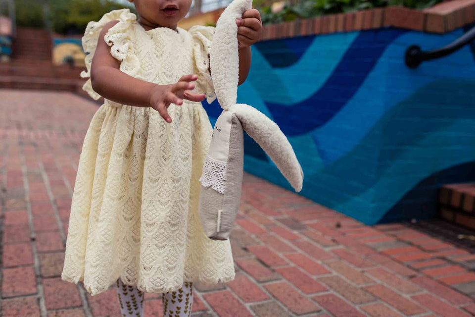 little girls ivory lace dresses