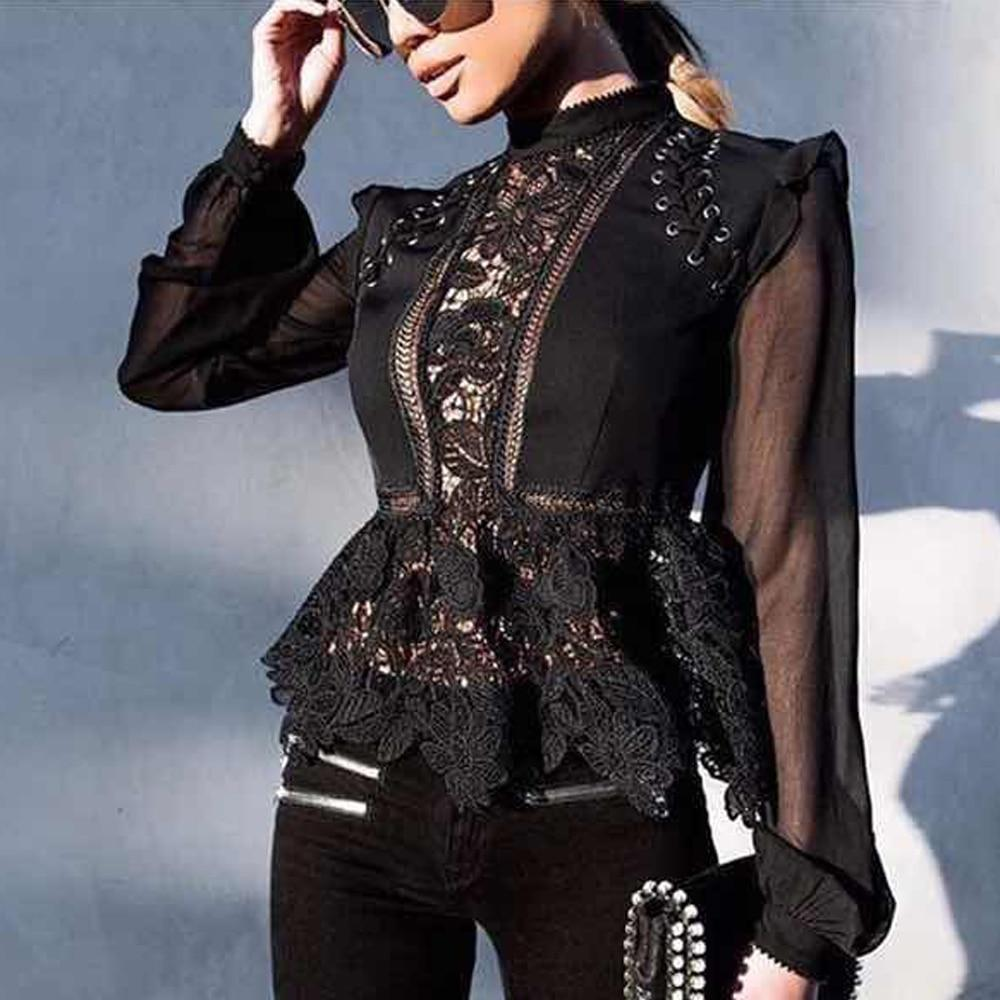 Lace ruffled blouse in black