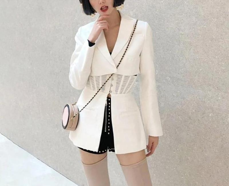 Primetime Looks-Blazer transformer in white