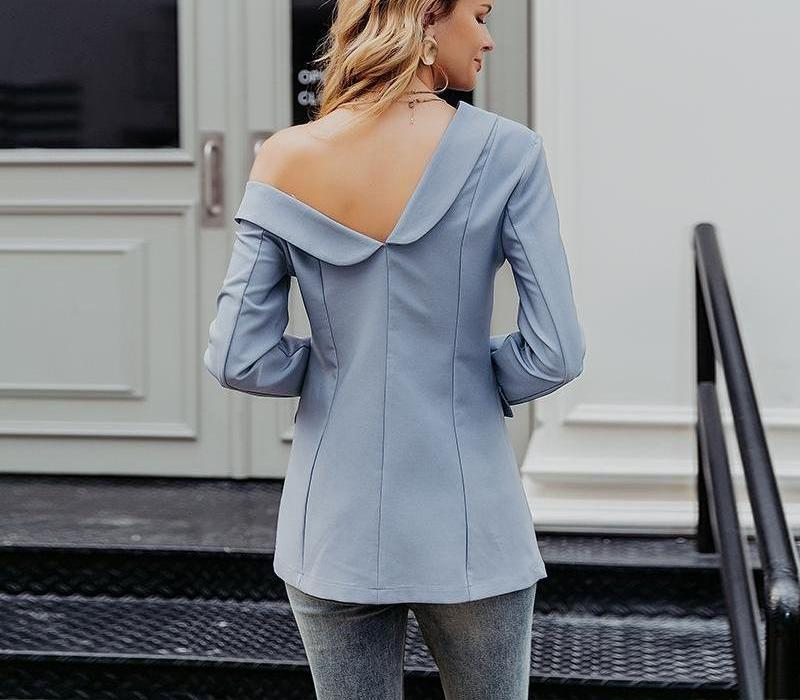 Primetime Looks-Cold-shoulder double-breasted blazer in blue