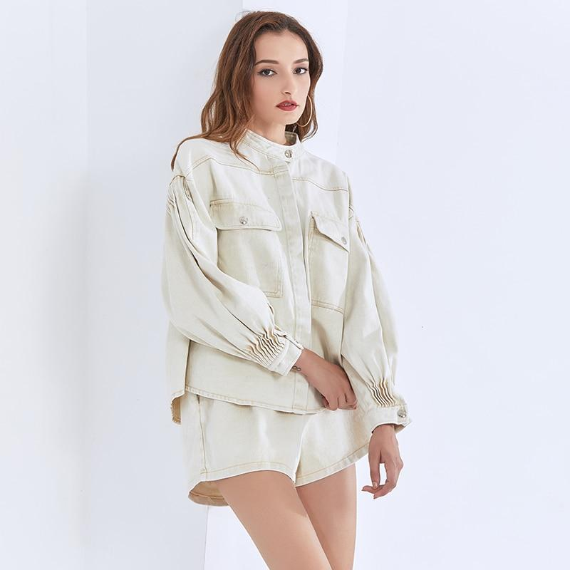 Jacket and shorts set in ivory