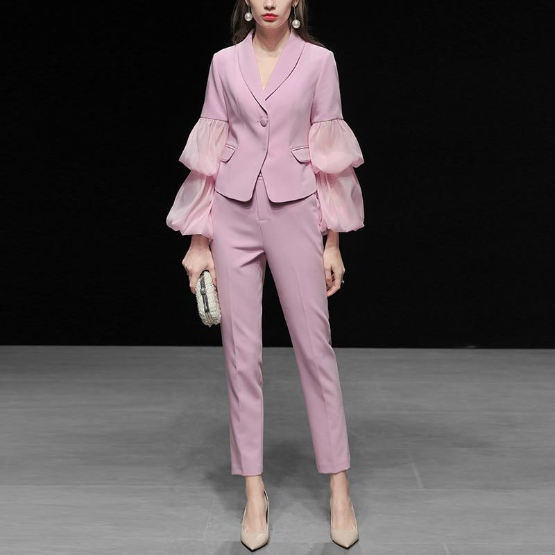 Primetime Looks-Lilac pink pants suit with lantern-sleeved jacket