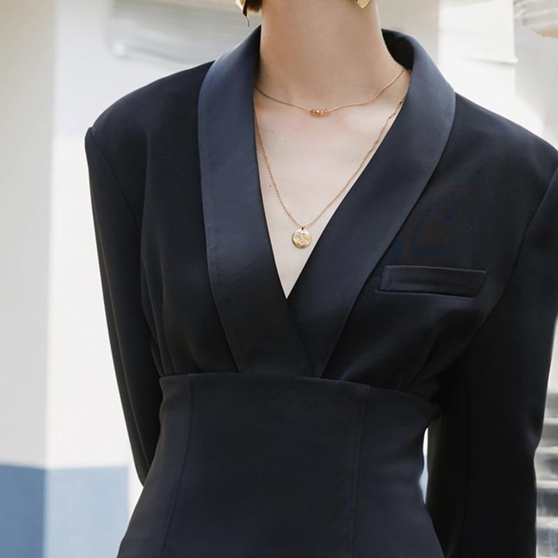 Primetime Looks-Luxe Blazer with Detachable Obi Belt