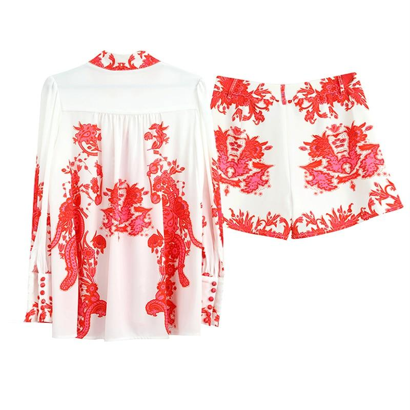 Primetime Looks-Printed belted holiday shorts set