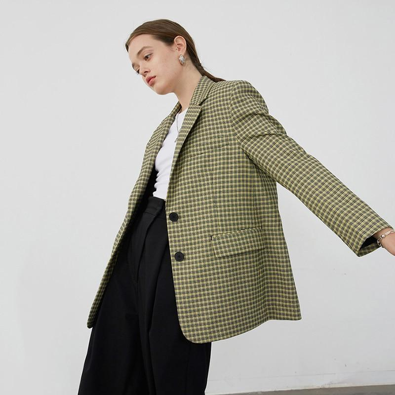 Primetime Looks-Seriously Chic Checkered Blazer