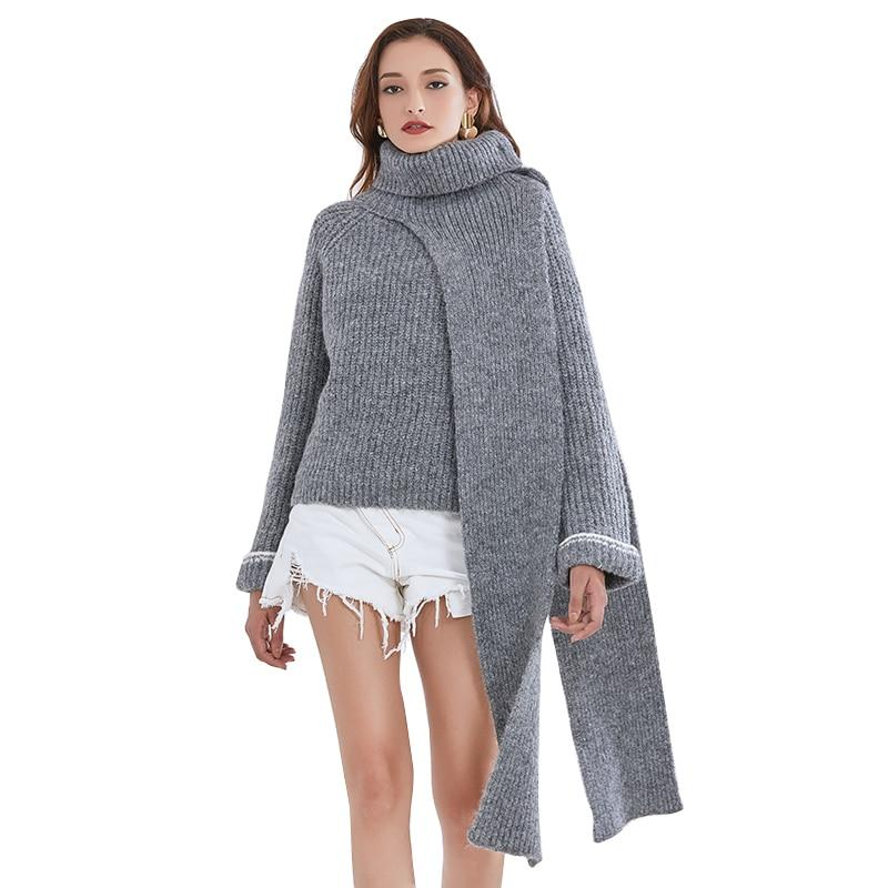 Turtleneck knitted pullover with scarf