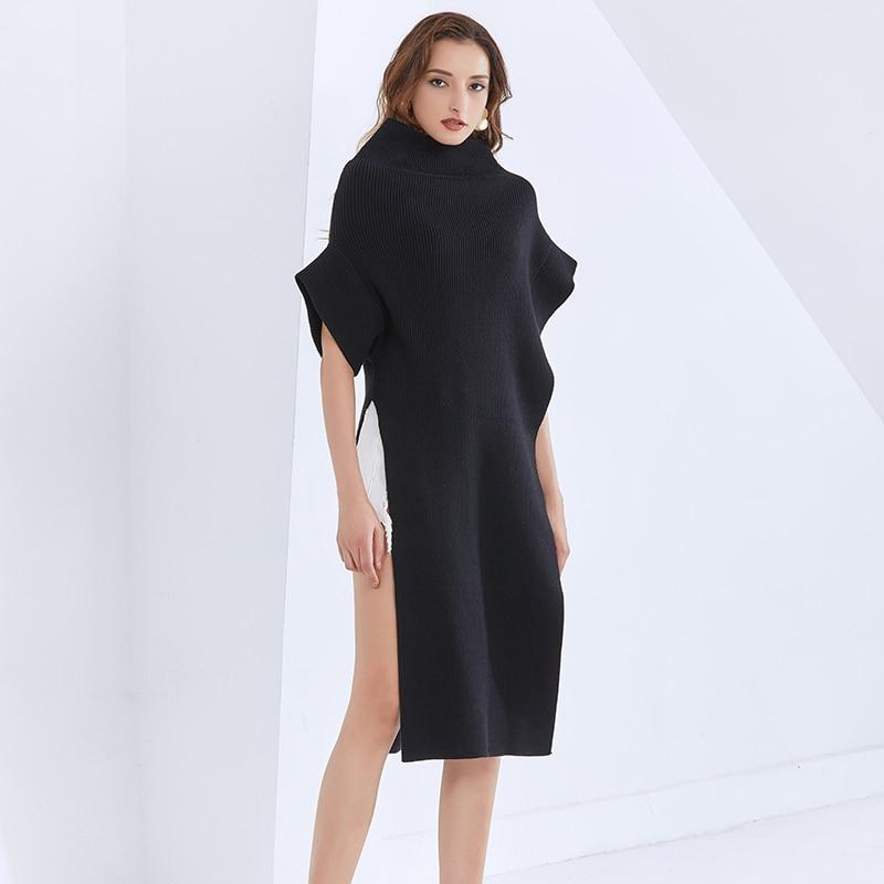 Turtleneck poncho in colors