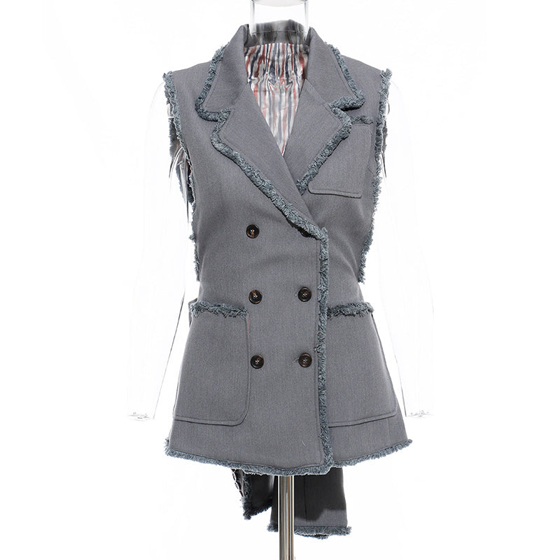 Blazer-transformer with detachable sleeves