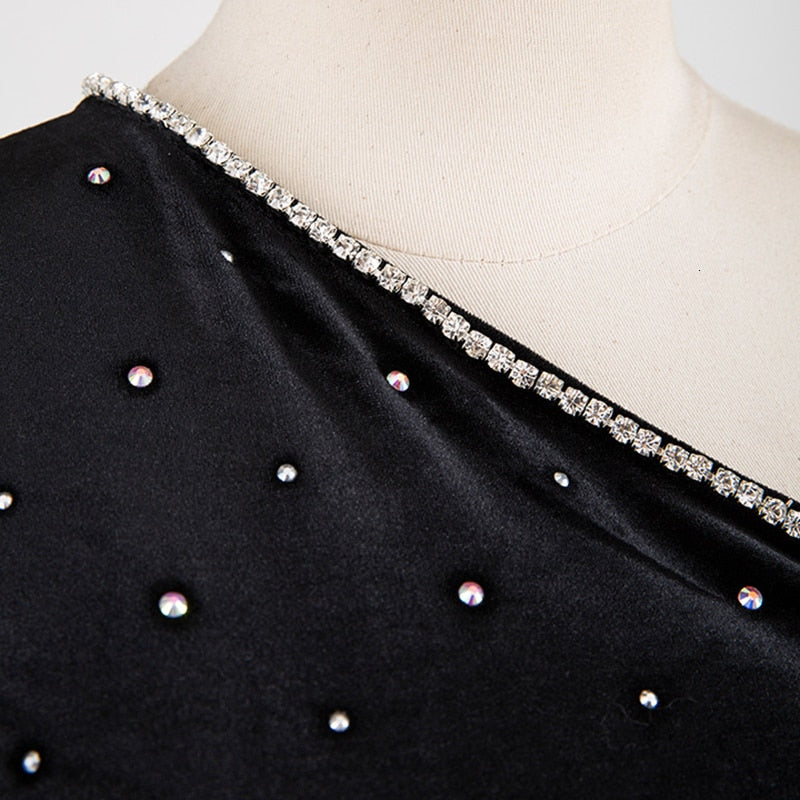 One-sleeve velvet embellished top