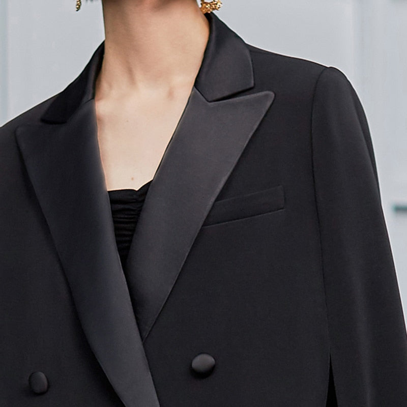 Double-breasted lapel collar cloak